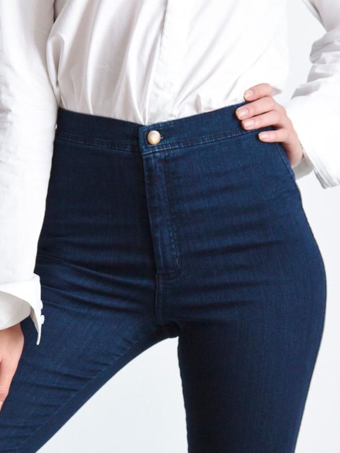 WRITING REWIND: 5 Way To Rock Mom Jeans viaStyleBlazer.com