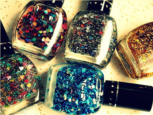 gorgeous-glitter-nail-paint-how-to-make-them-at-home