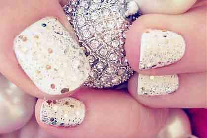 wpid-05-holiday-nails.jpeg