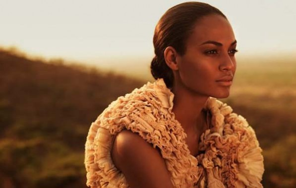 Joan-Smalls-Glowing-Summer-skin-597x380